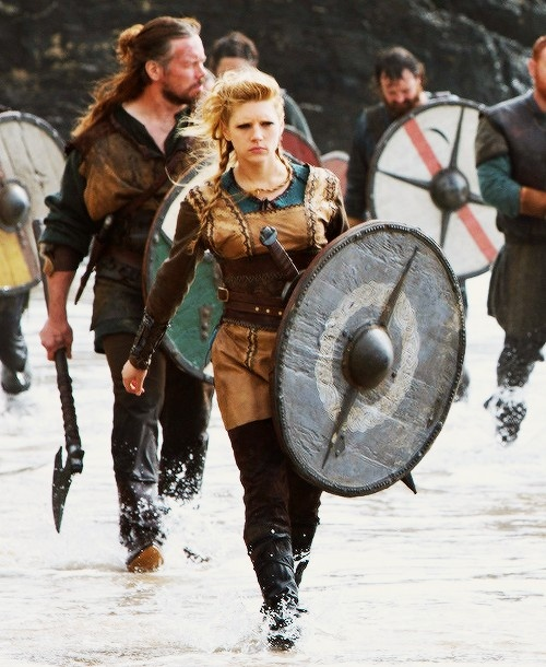 Lagertha: *Buttkicker mode on* Come at me bro!