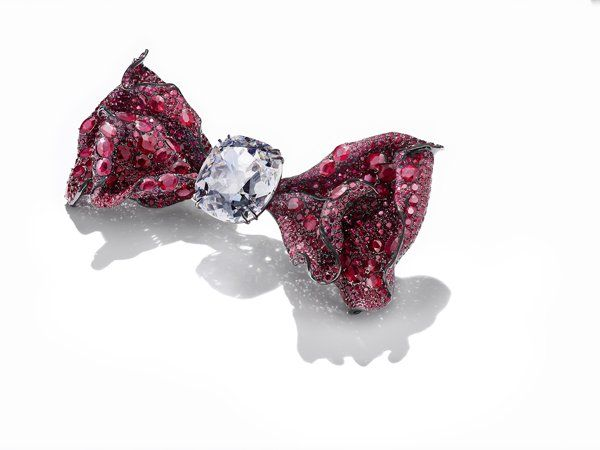 Wendy Chao Bow tie brooch with 76 ct. old mine–cut diamond and diamond-cut rubies
