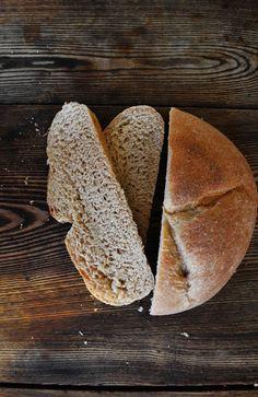 Bakeaholic Mama: Honey Whole Wheat Bread.  Copycat  Longhorn  Steakhouse.