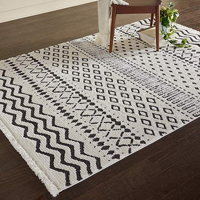Amazon Com Rivet Contemporary Geometric Rug 7 3 X 5 3