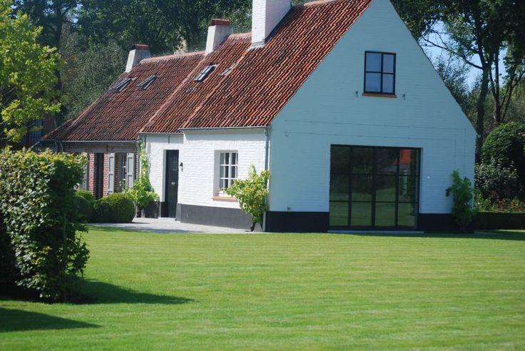 Pijpeweg 71 is de ideale plaats om tot rust te komen en de perfect voor het verkennen van de streek rond Brugge. De woning biedt plaats aan 6 à 7 personen.