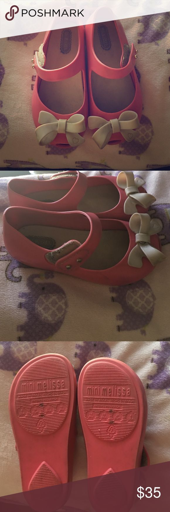Pink Mini Mellisa shoe Size 8 used still in good condition mini melissa shoe, pink with beige bow on front Mini Melissa Shoes Dress Shoes