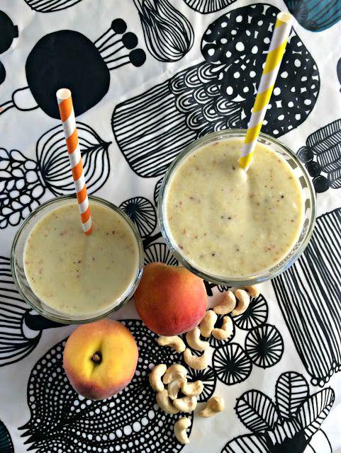 Ruokapankki: Hedelmäsmoothie antaa potkua persauksille! #ruokapankki #smoothie #fit #palautusjuoma #juoma #drink #marimekko #aamupala #foodblog #blogi #blog #ruokablogi