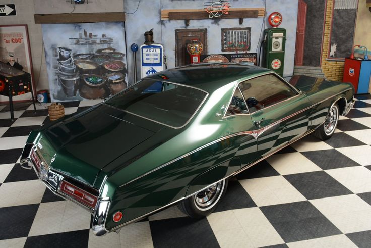 1970 Buick Riviera 2D Hardtop Coupe