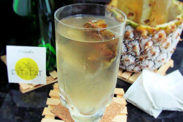 Suco (da casca) de abacaxi com chá verde!