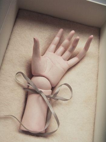 hand. @designerwallace
