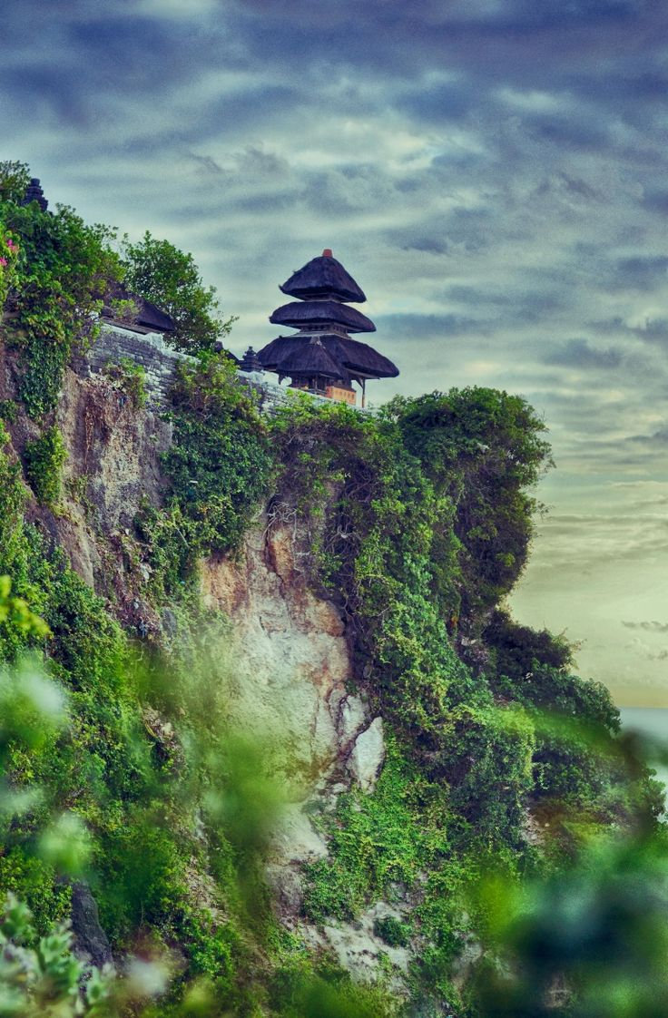 Uluwatu Temple, Bali, Indonesia -- by Michail Zavalko