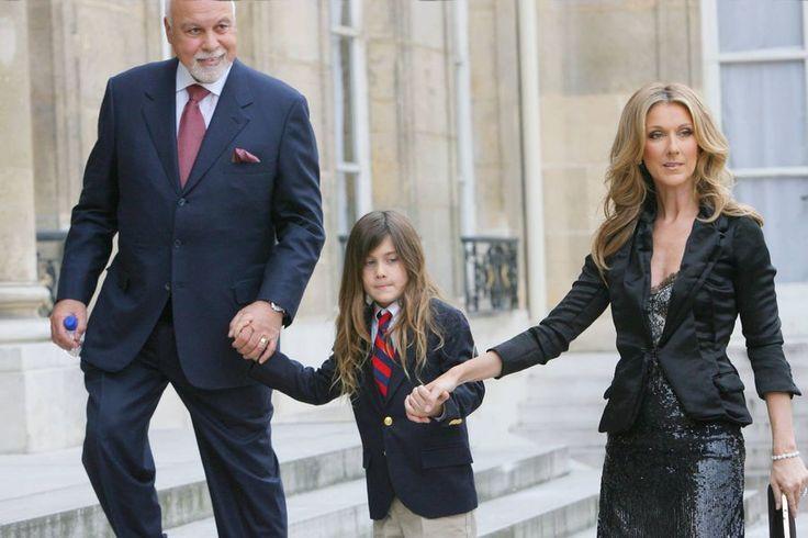 René Angélil, René-Charles Angélil et Céline Dion, en 2008, à Paris, lors de la remise de la Légion d'honneur à la chanteuse