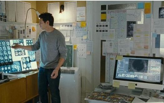 Rise of the Planet of the Apes iMac #Apple #JamesFranco #ProductPlacement