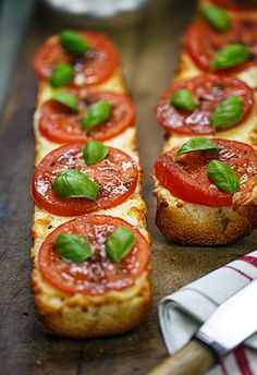 French bread pizza with tomato, mozzarella, basil