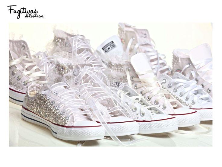Zapatillas Converse originales, intervenidas. Diseños únicos, bordadas a mano, con strass, canutillo, piedras y puntillas