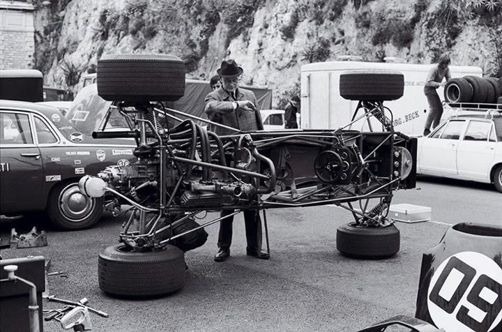 #12 Francois Cevert (Fra) - Tyrrell 002 (Ford Cosworth V8) engine / accident (15) Elf Team Tyrrell #wheels #automobile #cars #sport #auto #drive #speed