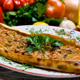 Kıymalı Pide - Turkish food