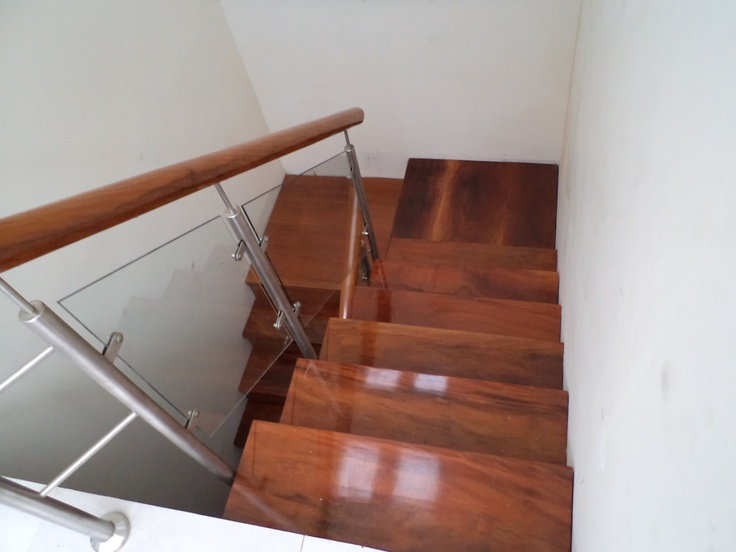 15 best escaleras images on pinterest stair banister for Escalera de madera 5 pasos