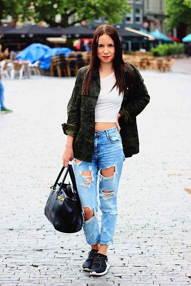 H&M Croptop, Zara Army Jacket, Zara Boyfriend Jeans, Nike Roshe Runs