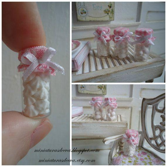 Set of 3 glass jars with marshmallows meringues by MiniaturasDeEva, €6.00