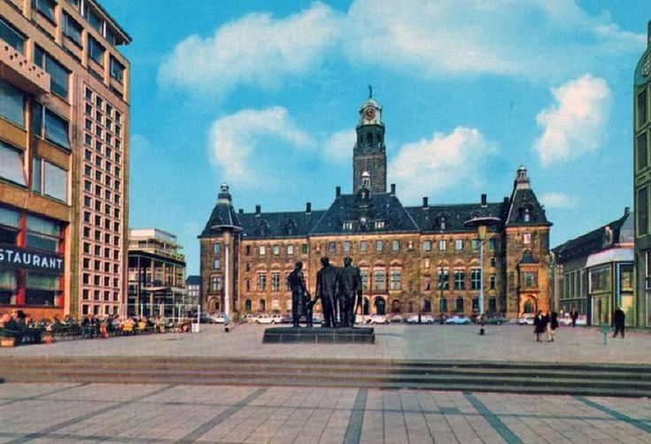 Rotterdam<br />Rotterdam: Het Stadhuisplein, 1960