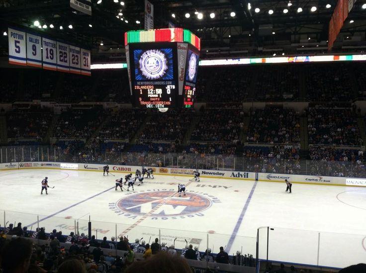 New York Islanders Game At Nassau Veterans Memorial Coliseum In Helmsdale New York New York Islanders Hockey Arena Sports Stadium