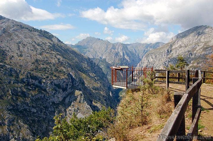 Imágenes desde el Mirador de Santa Catalina o Bolera de los Moros (desfiladero de La Hermida, Cantabria)