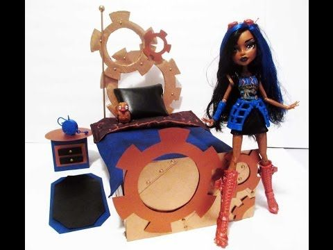 How to make a Robecca Steam Doll Bed Tutorial/Monster High. Again I've already made the bed for Robecca too. However you ghouls and guys may find it useful. Real cute. The blonde in the pic.