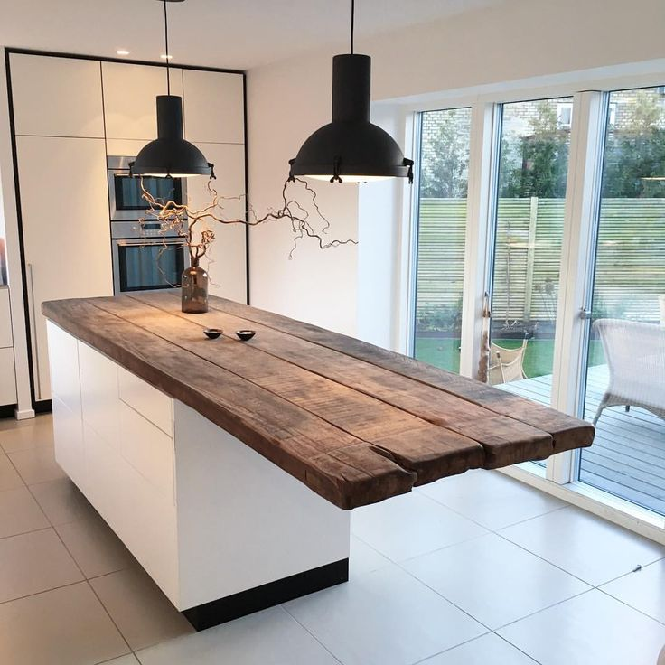 Gorgeous reclaimed wood island @byloth