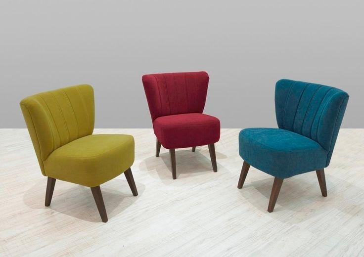 Der Sessel Miami  von der Firma Reality wird Ihr neues Lieblingsmöbel!  Die bequeme Polsterung sowie der farbenfrohe Stoffbezug in gelb-grün machen den Sessel zu einem tollen Eyecatcher in jedem Zimmer, den  niemand gerne wieder verlässt.  Die farblich abgestimmten Holzfüße runden das stimmige Gesamtbild perfekt ab. #Sessel #Hocker #Blau #Grün #Gelb #Loungehocker #Holzbeine #Sitzmöbel #stuhl #möbel #moebel #moebelpower #moebeltraeume