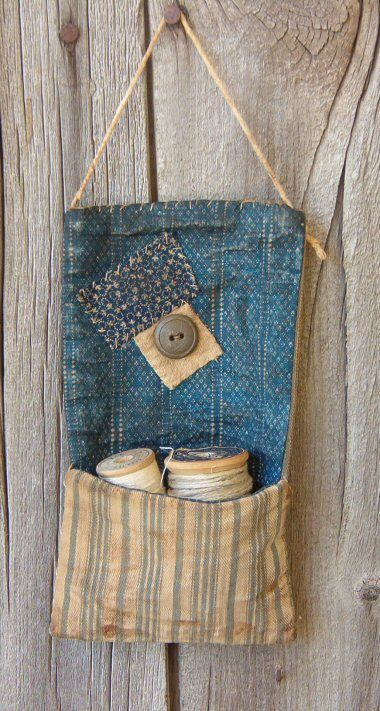 hanging thread pouch