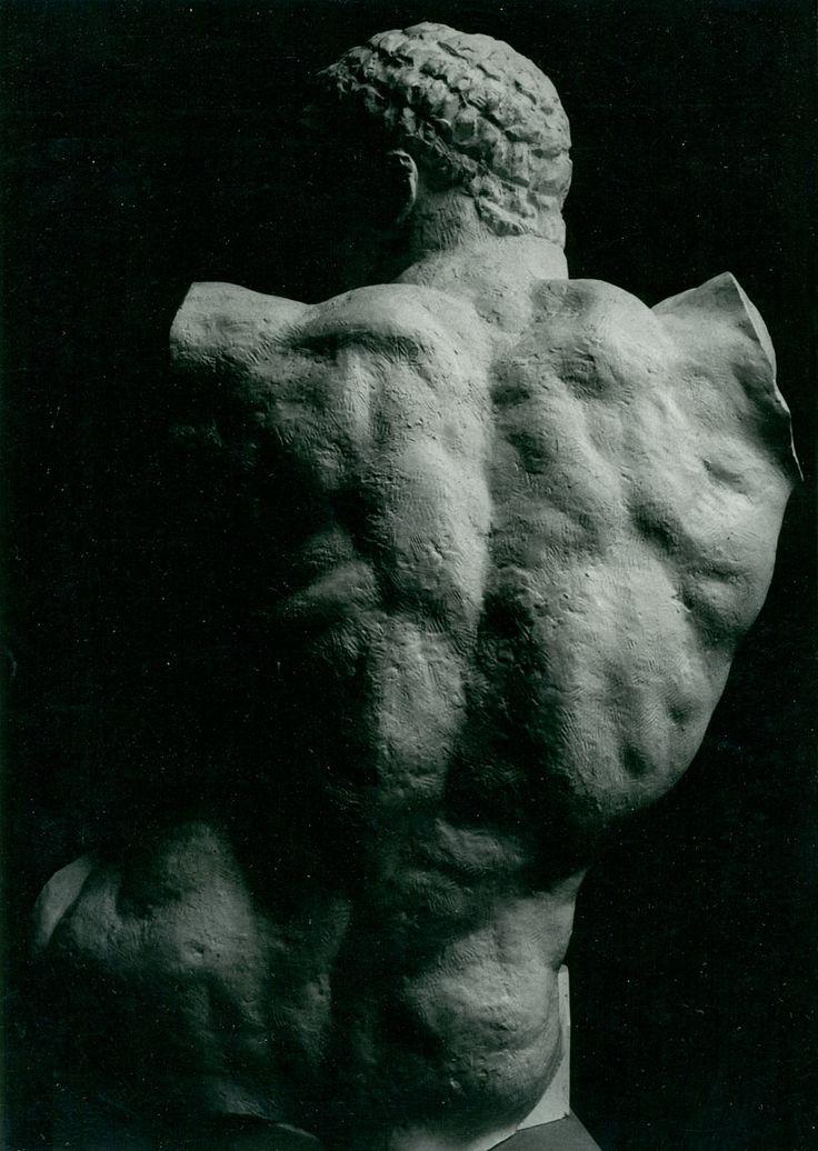 Héraklès archer - Sculpture - Bourdelle - Photo Carol-Marc Lavrillier - circa 1950 - Lavrillier - Site officiel de la famille Lavrillier
