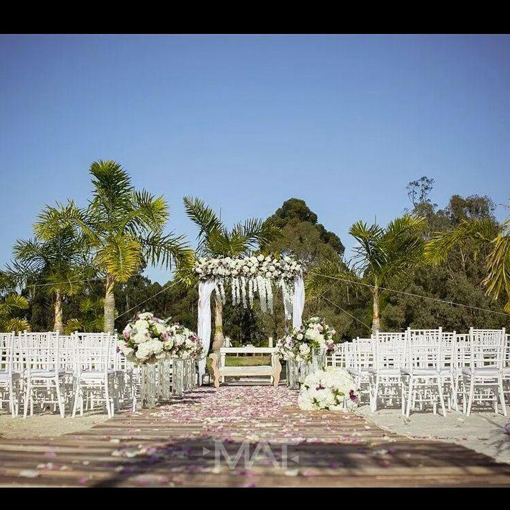 Un paisaje de cuento de hadas es necesario para esa boda que siempre soñaste #CasaBali en #ZonaE ¡tu sueño hecho realidad! Foto www.matfotografia.com