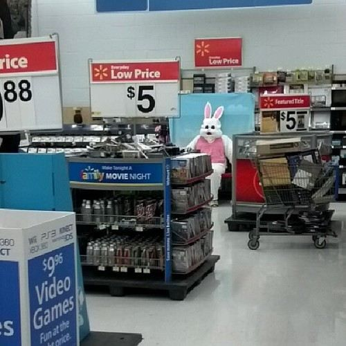 Meanwhile at Wal Mart (23 photos) Thanks for the nightmares