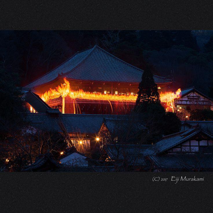 https://flic.kr/p/RE41xm   お松明   Nara Todai-ji temple , JAPAN , Sony Alpha 7r2 , Leica Elmarit-R 180mm(Type I) お松明遠望。 この手の写真も何枚か撮っているのですが、毎年同じ様な写真になってしまいます。 進歩は無いのですが、そろそろ卒業かな(^_^;)