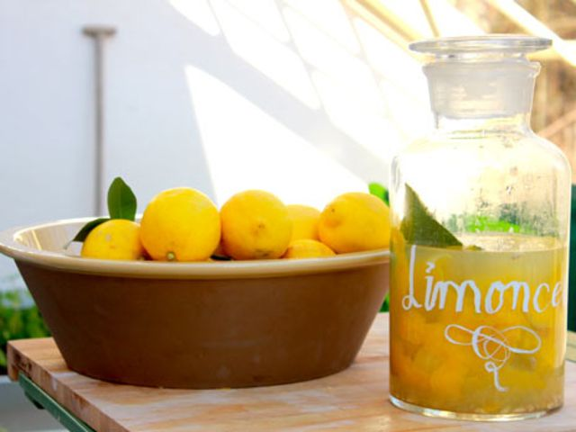 Limoncello, underbar citronlikör för den som inte gillar snaps (kock Ernst Kirchsteiger)