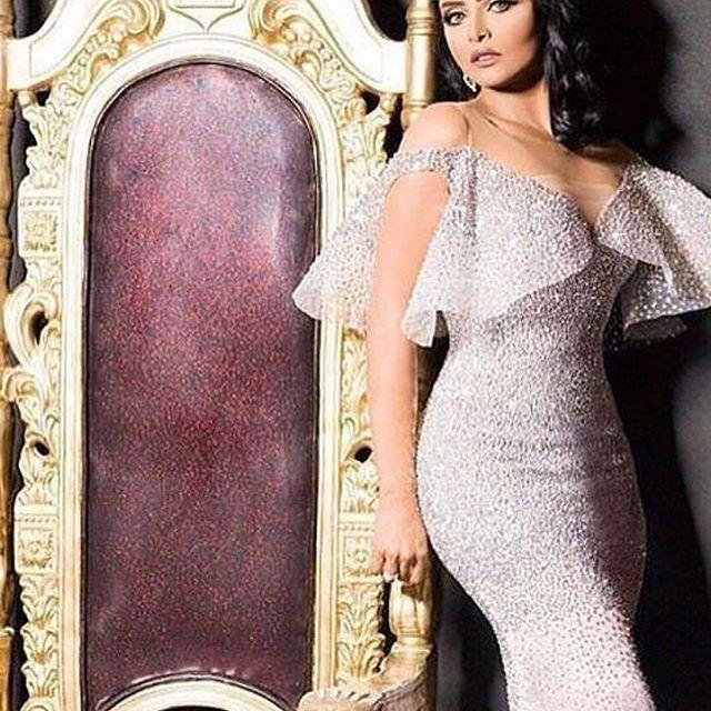 Pin By المصممة أمجاد الأنصاري On تنسيقات ملابس Fashion Dresses Dresses Couture Dresses