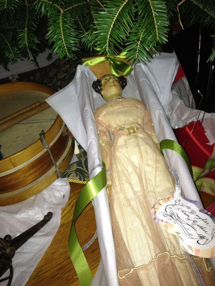 Trumbull History, Trumbull CT Holiday decor, Saree, Fashion