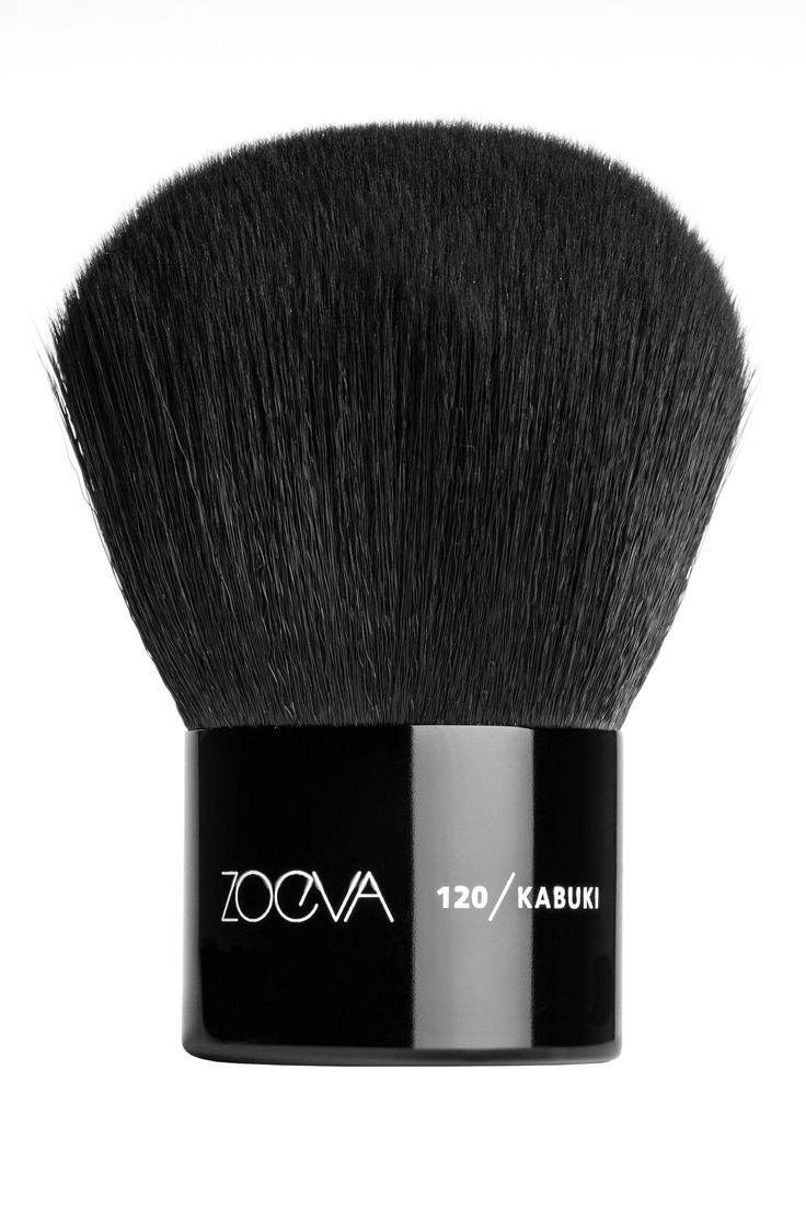 ZOEVA 120 Kabuki Brush https://www.zoeva-shop.de/en/brushes-accessories/face-brushes/120-kabuki/a-8000113/