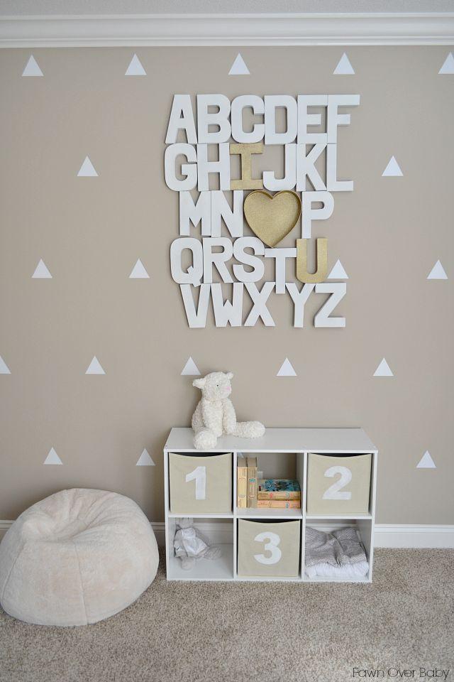 baby nursery room with neutral color - interior decor - cameretta per neonati