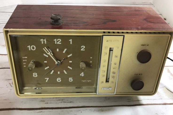 Vintage Rare Retro 1960's / 70's White Brown RCA RZD416-T AM Clock Radio USA #RCA