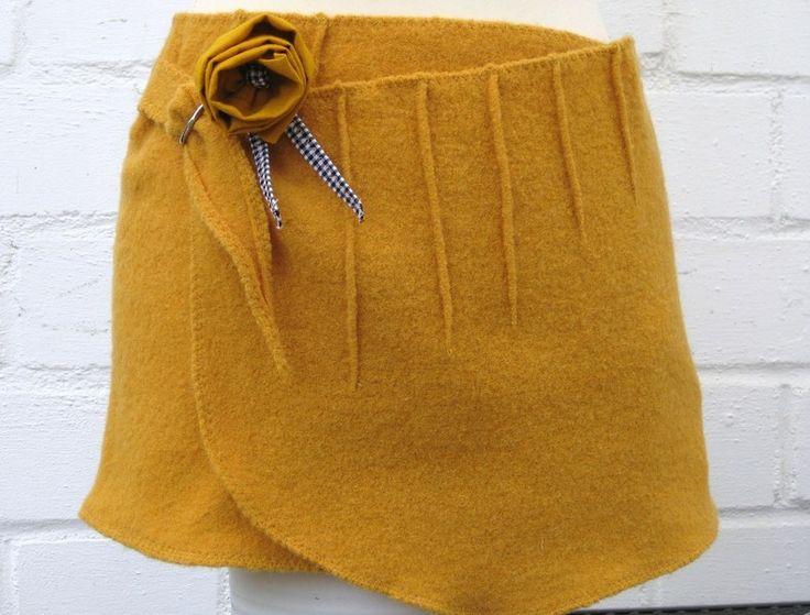 """Cacheur """"Sonne"""" aus Wollwalk von ornamentum auf DaWanda.com"""