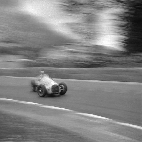 Grand Prix de Pau'50: Raymond Sommer, Ferrari 125 08C. A talented driver,... apparently.