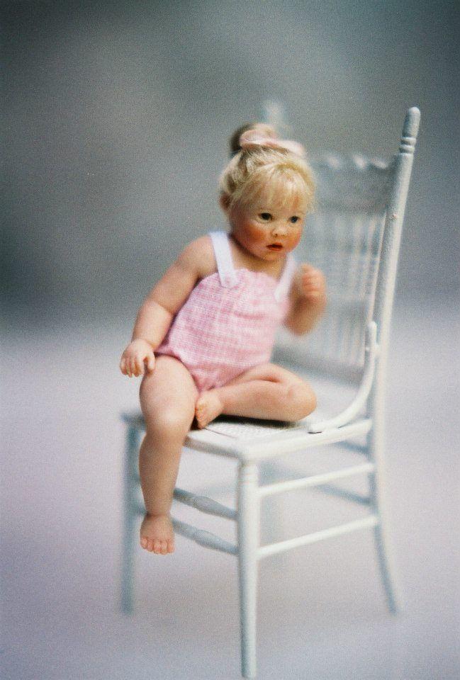 Susan Scogin Dolls-she i ssooo cute-wish I had her! Louise Glass