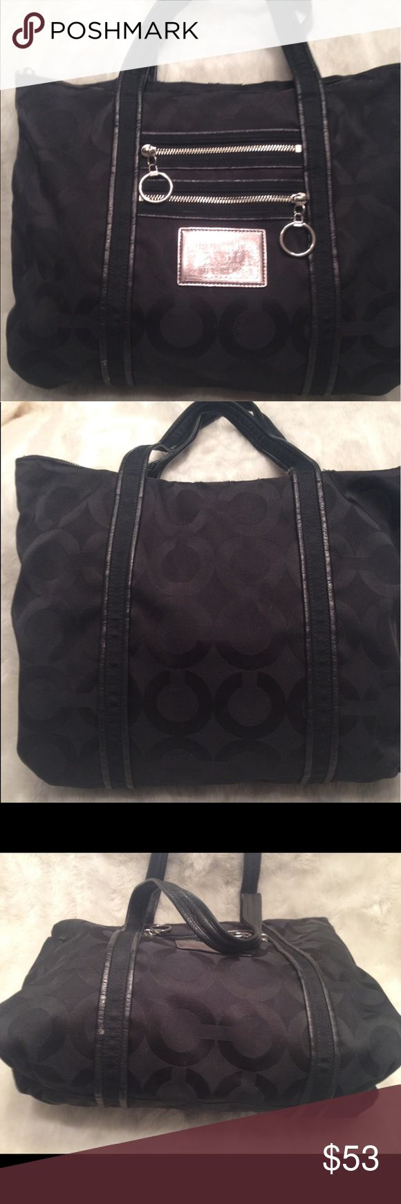 LARGE COACH Poppy Art Tote COACH#H0967-13826. Liner has some water marks and faint stains shown in pic. Good straps. No scuffs and snags. Measures 8x13 Coach Bags Totes