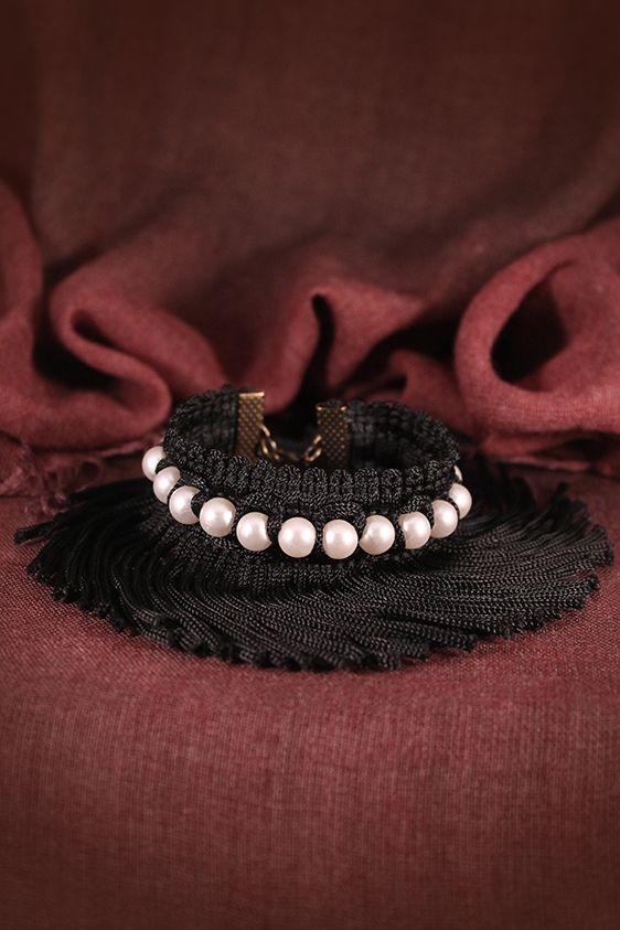 Fancy Pearl bracelet by Lorien!!