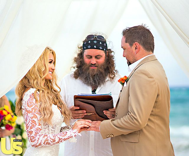 Blushing Bride Photo - Jason Aldean and Brittany Kerr's Wedding Album: See the Photos! - Us Weekly