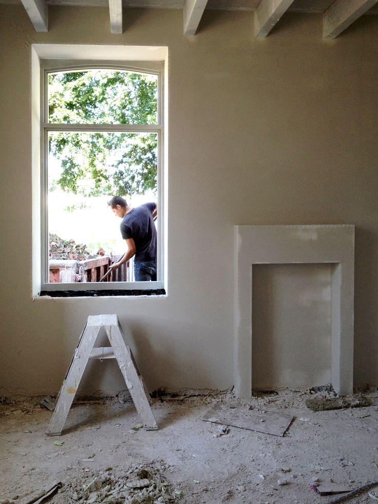 Uitvoering Van boerderij naar woonhuis en B&B #farm #architecture #architectuur #interieur #proces #constructing #interior #monument #weert #boerderij #wit #white #style #stijl #modern #traditional #traditioneel #denieuwecontext #dnc #hout #wood #bricks #baksteen #plaster #pleisterwerk #rural #limburg #vide #keuken #kitchen #b&b #bathroom #badkamer #living #zitkamer
