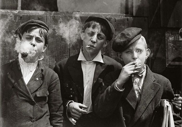 Child laborers in 1880. Rare Historical Photos