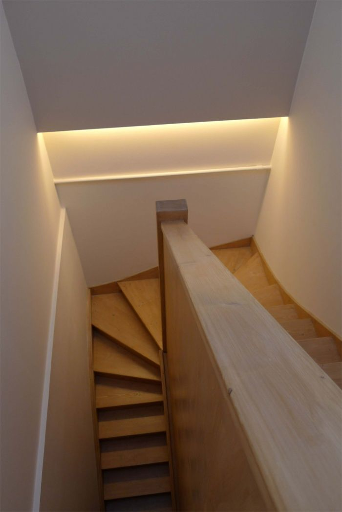 Escalier clairage indirect lampes pinterest comment garage and bord - Fabriquer une table lumineuse led ...