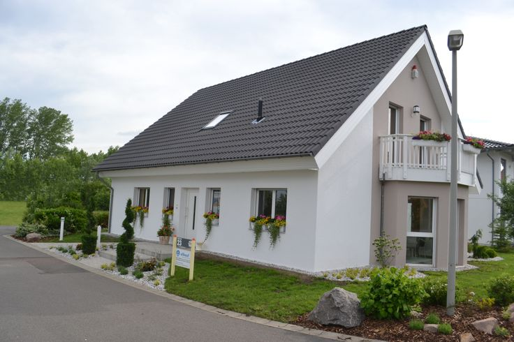 allkauf Haus GmbH. http://www.unger-park.de/musterhaus-ausstellungen/leipzig/galerie-haeuser/detailansicht/artikel/allkauf-parzelle-23/ #musterhaus #fertighaus #immobilien #eco #umweltfreundlich #hauskaufen #energiehaus #eigenhaus #bauen #Architektur #effizienzhaus #wohntrends #zuhause #hausbau #haus #design #leipzig #allkauf #ungerpark