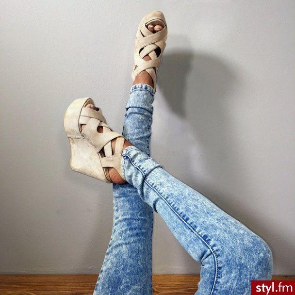 Moda Buty Koturny