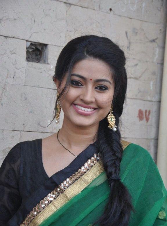 South Indian Actress Sneha Cute Stills In Green Churidar |Bollywood Films and South Indian Movie Stills Actress Hot Photos