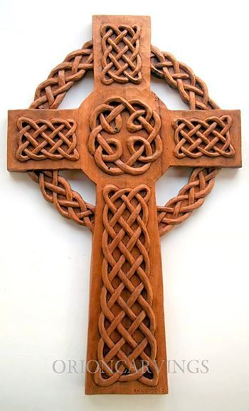 Celtic Cross Wood carving, Handmade Woodcarving, 11,8 x 18,5 in.